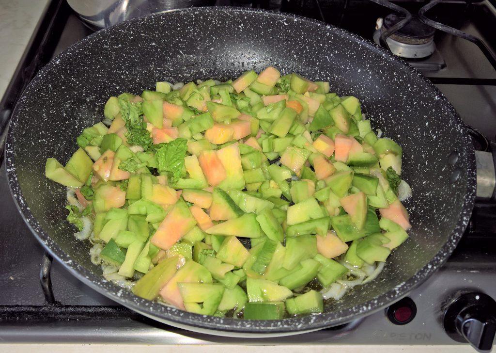 bucatini ai pomodori i verdi