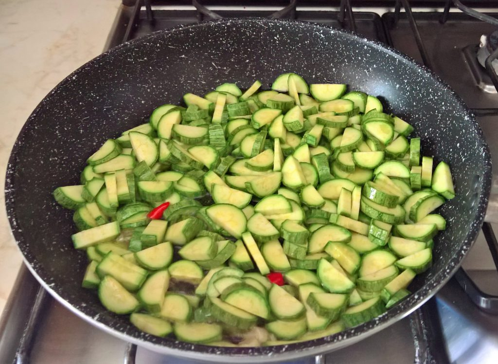 casarecce ceci e zucchine