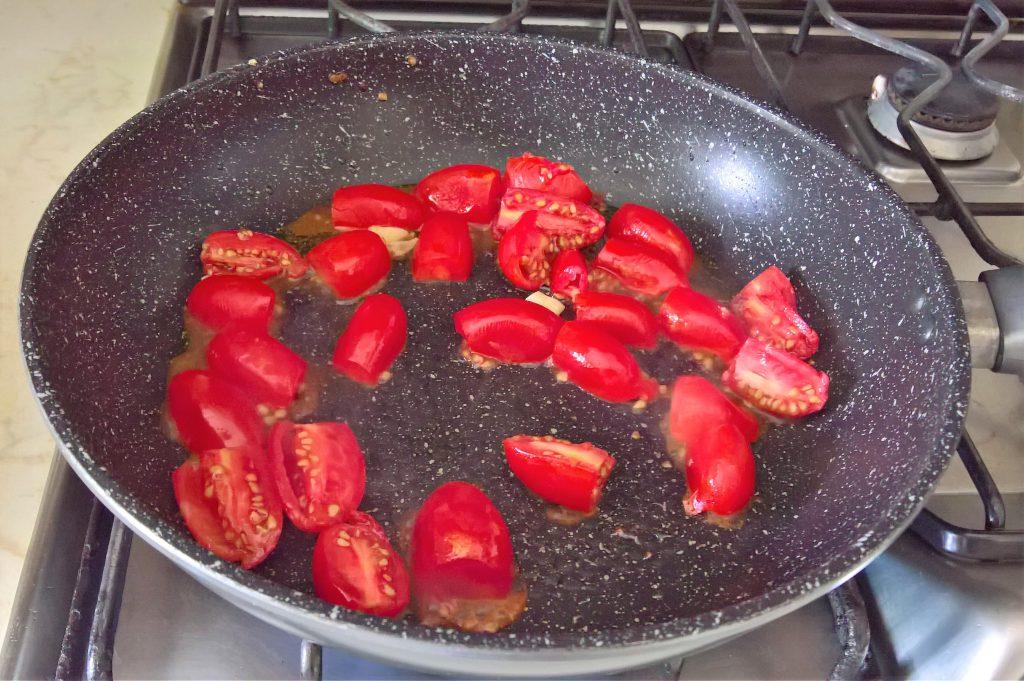 pennette ai peperoncini dolci e prosciutto