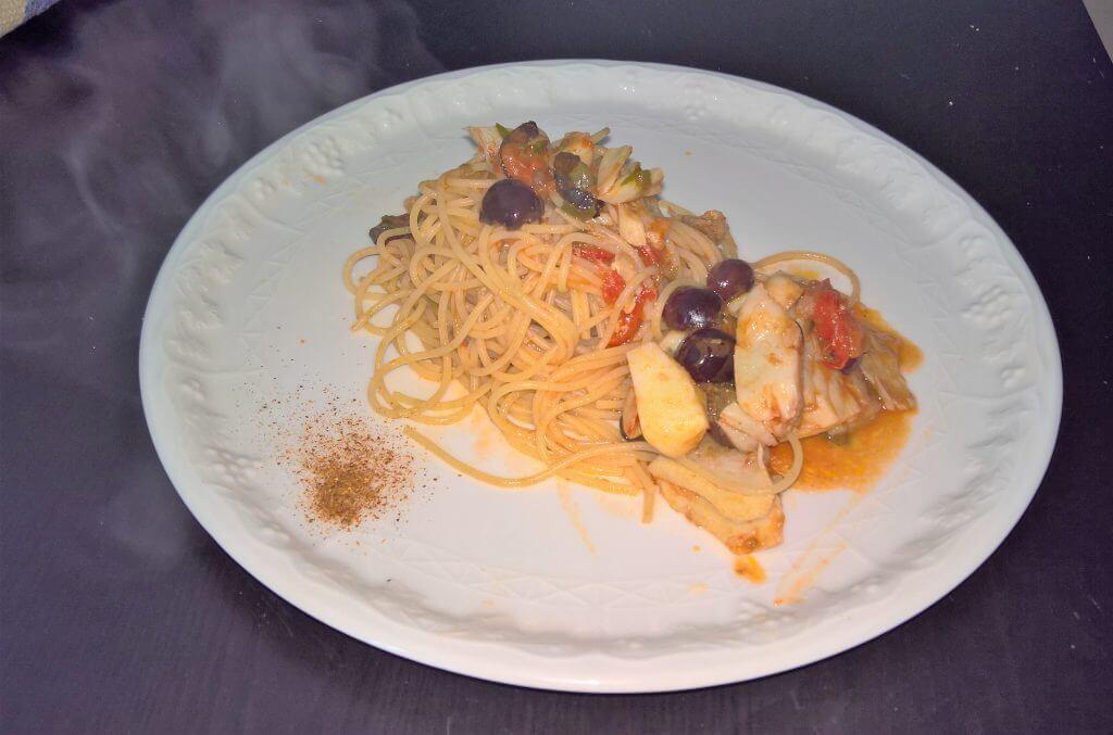Spaghetti con stoccafisso alla marinara
