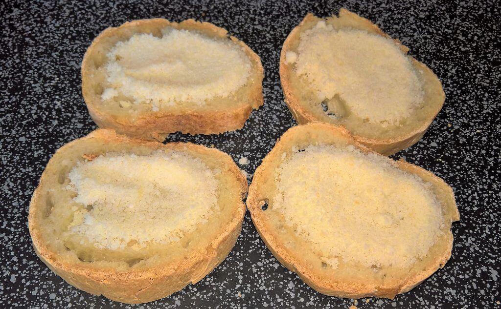 Pane tostato con parmigiano da accompagnare allo stufato di verdure di casa mia