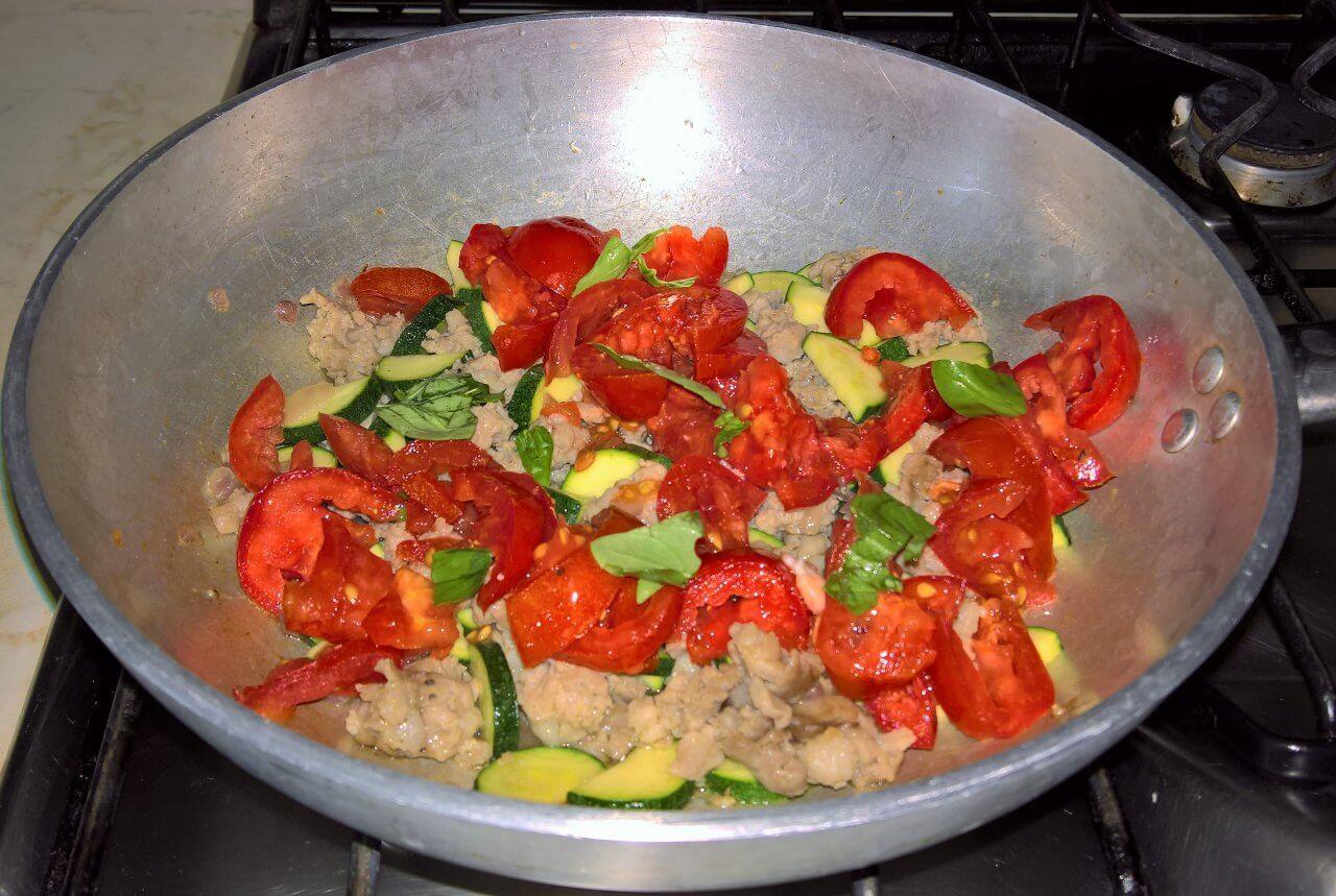 Farro salsiccia e zucchine