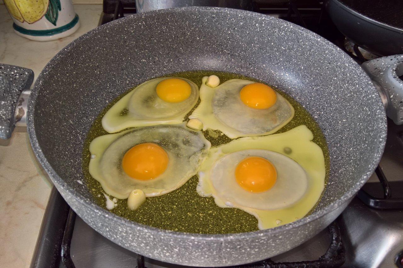 Tagliatelle all'uovo all'occhio di bue