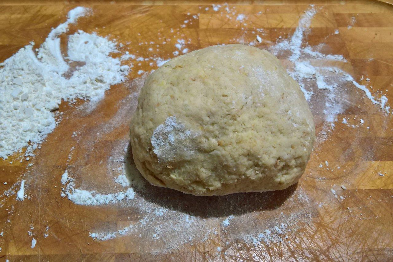 gnocchi di pane in crema di formaggio