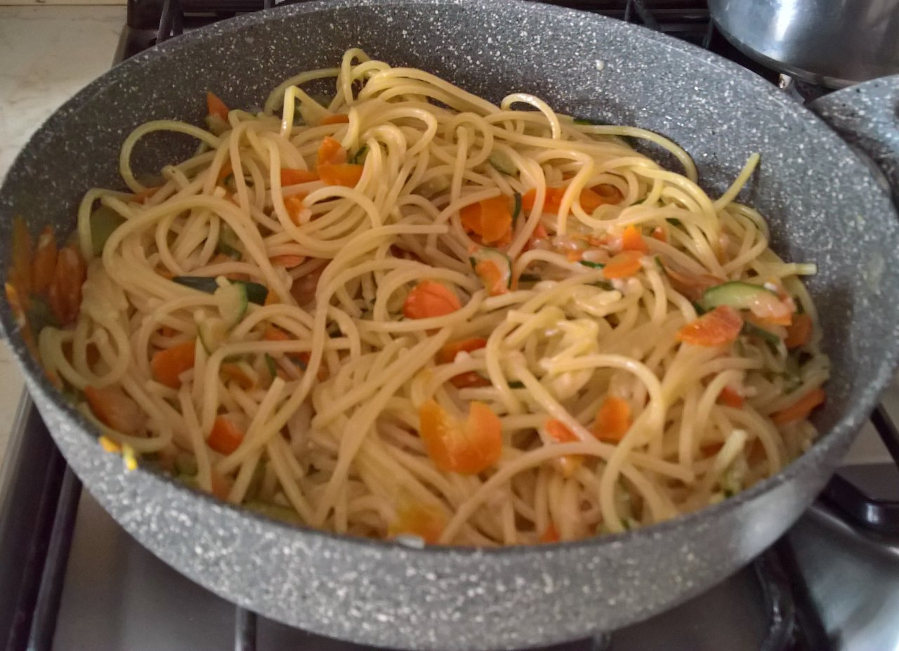 spaghetti con verdure e cremolata alla cannella